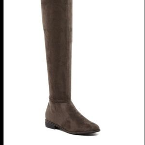 BRAND NEW GREY SUEDE OVER THE KNEE BOOT